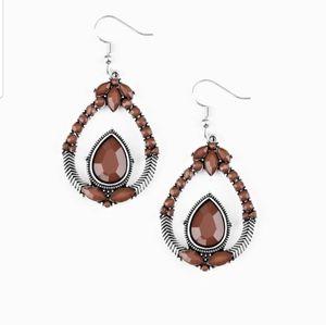 Vogue Voyager brown earrings